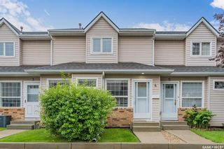 Photo 1: 4 102 Willow Street East in Saskatoon: Exhibition Residential for sale : MLS®# SK867978