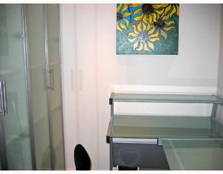 """Photo 9: 106 2133 DUNDAS Street in Vancouver: Hastings Condo for sale in """"HARBOUR GATE"""" (Vancouver East)  : MLS®# V724232"""