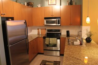"Photo 3: 420 10180 153RD Street in Surrey: Guildford Condo for sale in ""charlton park"" (North Surrey)  : MLS®# R2136806"