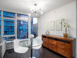 Photo 6: 306 1708 COLUMBIA STREET in Vancouver: False Creek Condo for sale (Vancouver West)  : MLS®# R2341537