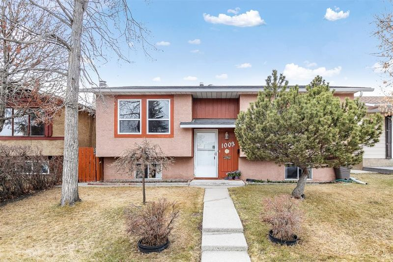 FEATURED LISTING: 1003 Rundlecairn Way Northeast Calgary