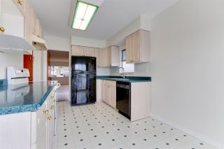 Photo 12: 18 N SEA Avenue in Burnaby: Capitol Hill BN House for sale (Burnaby North)  : MLS®# R2527053