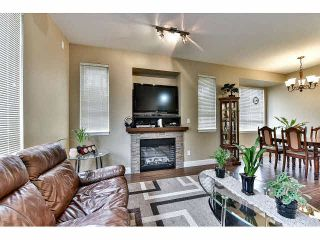 "Photo 3: 30 7088 191ST Street in Surrey: Clayton Townhouse for sale in ""MONTANA"" (Cloverdale)  : MLS®# F1441520"