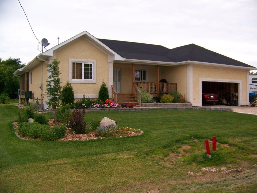 Main Photo: 55 Church Street in Tyndall: Single Family Detached for sale : MLS®# 1404723