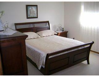 Photo 6: 34 HUBER Street in WINNIPEG: Maples / Tyndall Park Residential for sale (North West Winnipeg)  : MLS®# 2819314