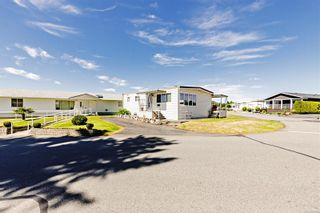 Photo 2: 44 6325 Metral Dr in Nanaimo: Na Pleasant Valley Manufactured Home for sale : MLS®# 879454