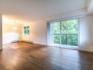 """Photo 10: 208 357 E 2ND Street in North Vancouver: Lower Lonsdale Condo for sale in """"Hendricks"""" : MLS®# R2470726"""