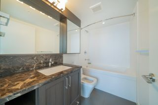 """Photo 16: 2507 5665 BOUNDARY Road in Vancouver: Collingwood VE Condo for sale in """"WALL CENTRE CENTRAL PARK SOUTH"""" (Vancouver East)  : MLS®# R2539277"""