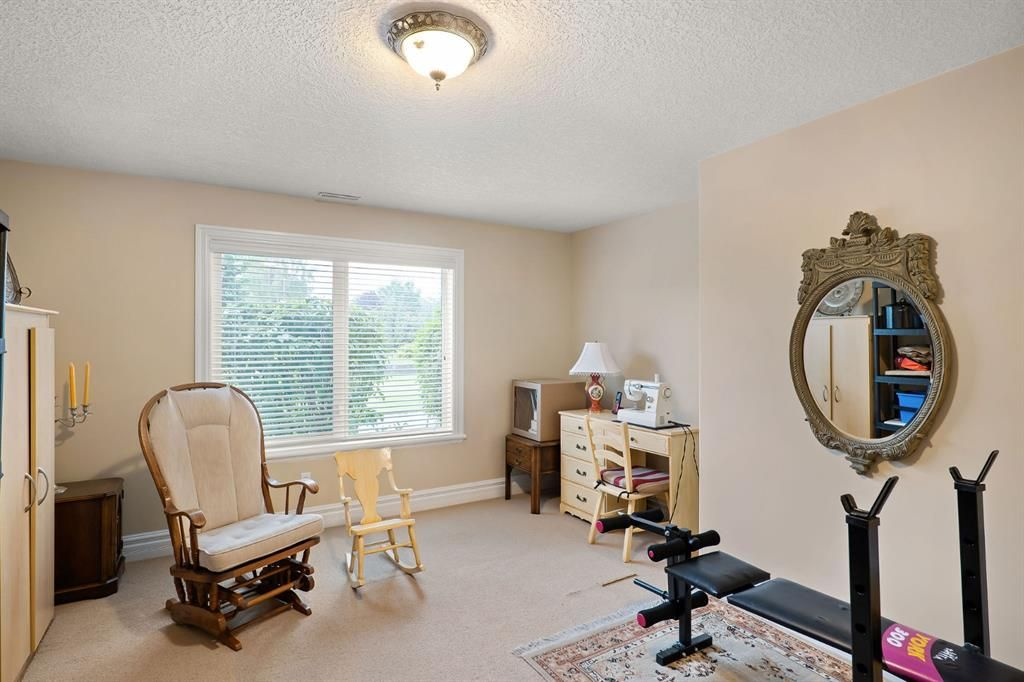 Photo 36: Photos: 15 Lynx Meadows Drive NW: Calgary Detached for sale : MLS®# A1139904