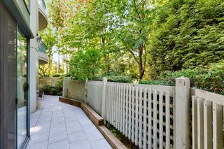 """Photo 25: 103 1745 MARTIN Drive in White Rock: Sunnyside Park Surrey Condo for sale in """"SOUTH WYND"""" (South Surrey White Rock)  : MLS®# R2617912"""