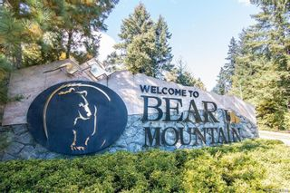 Photo 2: 301 2006 Troon Crt in : La Bear Mountain Condo for sale (Langford)  : MLS®# 882685