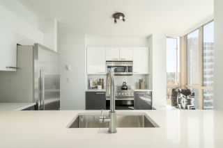 """Photo 8: 901 1405 W 12TH Avenue in Vancouver: Fairview VW Condo for sale in """"THE WARRENTON"""" (Vancouver West)  : MLS®# R2053078"""