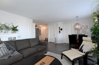 Photo 4: 305 2940 Harriet Rd in : SW Gorge Condo for sale (Saanich West)  : MLS®# 869511