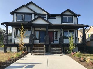 Photo 2: 33367 5TH Avenue in Mission: Mission BC 1/2 Duplex for sale : MLS®# R2429991