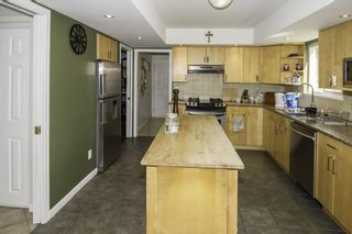 Photo 5: 8620 DOULTON Place in Richmond: Woodwards House for sale : MLS®# R2193965