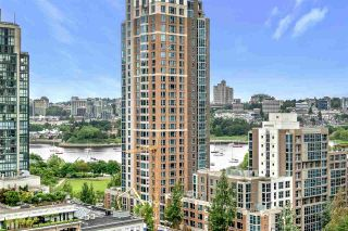"""Photo 12: 1203 1238 RICHARDS Street in Vancouver: Yaletown Condo for sale in """"Metropolis"""" (Vancouver West)  : MLS®# R2472141"""