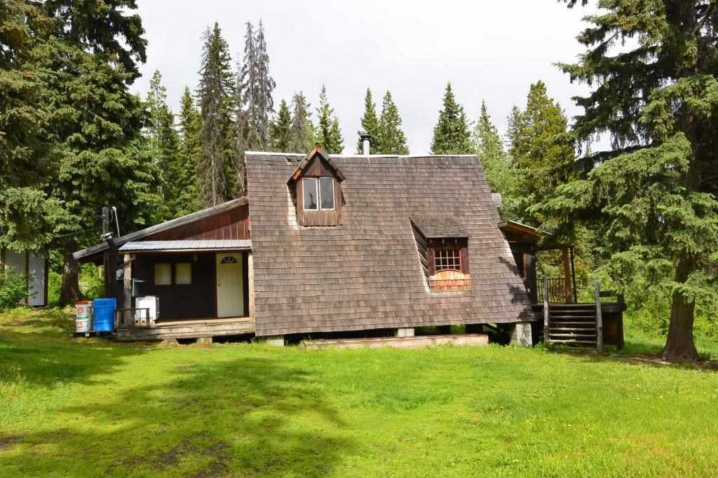 """Main Photo: 28062 WALCOTT QUICK Road in Smithers: Smithers - Rural House for sale in """"GRANTHAM AREA"""" (Smithers And Area (Zone 54))  : MLS®# R2281302"""