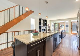 Photo 10: 3322 41 Street SW in Calgary: Glenbrook Detached for sale : MLS®# A1122385