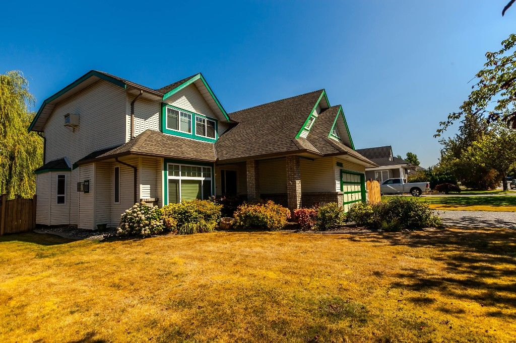 Photo 3: Photos: 21769 46 Avenue in Langley: Murrayville House for sale