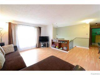 Photo 3: 542 Paufeld Drive in Winnipeg: North Kildonan Residential for sale (North East Winnipeg)  : MLS®# 1618479