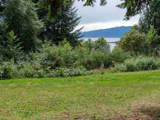 """Photo 22: 7 12248 SUNSHINE COAST Highway in Madeira Park: Pender Harbour Egmont Manufactured Home for sale in """"SEVEN ISLES"""" (Sunshine Coast)  : MLS®# R2604086"""