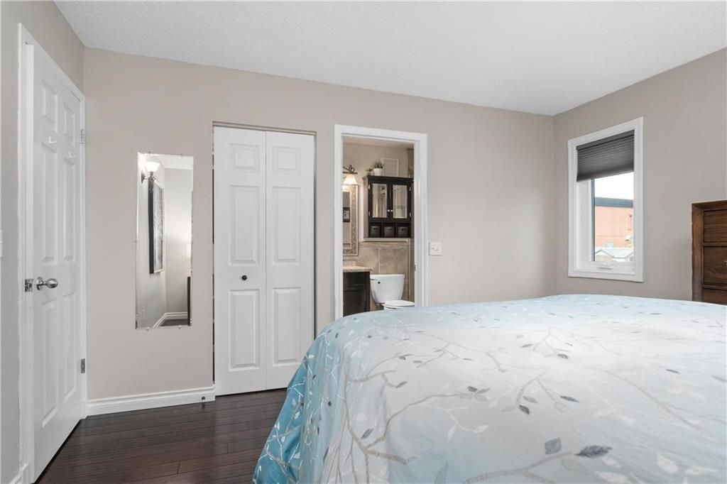 Photo 11: Photos: 1115 Waterford Avenue in Winnipeg: West Fort Garry Residential for sale (1Jw)  : MLS®# 202116113