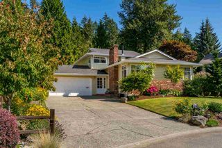 """Photo 3: 12782 27A Avenue in Surrey: Crescent Bch Ocean Pk. House for sale in """"CRESCENT HEIGHTS"""" (South Surrey White Rock)  : MLS®# R2486692"""