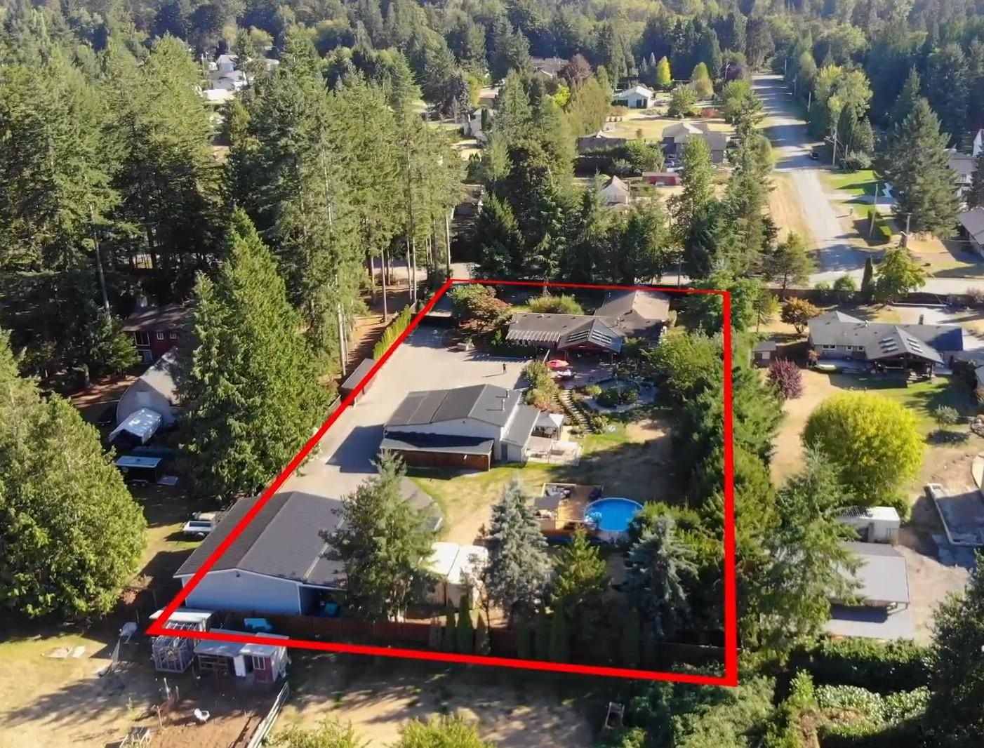 Main Photo: 24671 50 Avenue in Langley: Salmon River House for sale : MLS®# R2616855