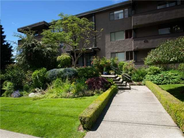 FEATURED LISTING: 201 - 341 MAHON Avenue North Vancouver