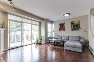 """Photo 2: 21 6950 120 Street in Surrey: West Newton Townhouse for sale in """"COUGAR CREEK BY THE LAKE"""" : MLS®# R2385594"""
