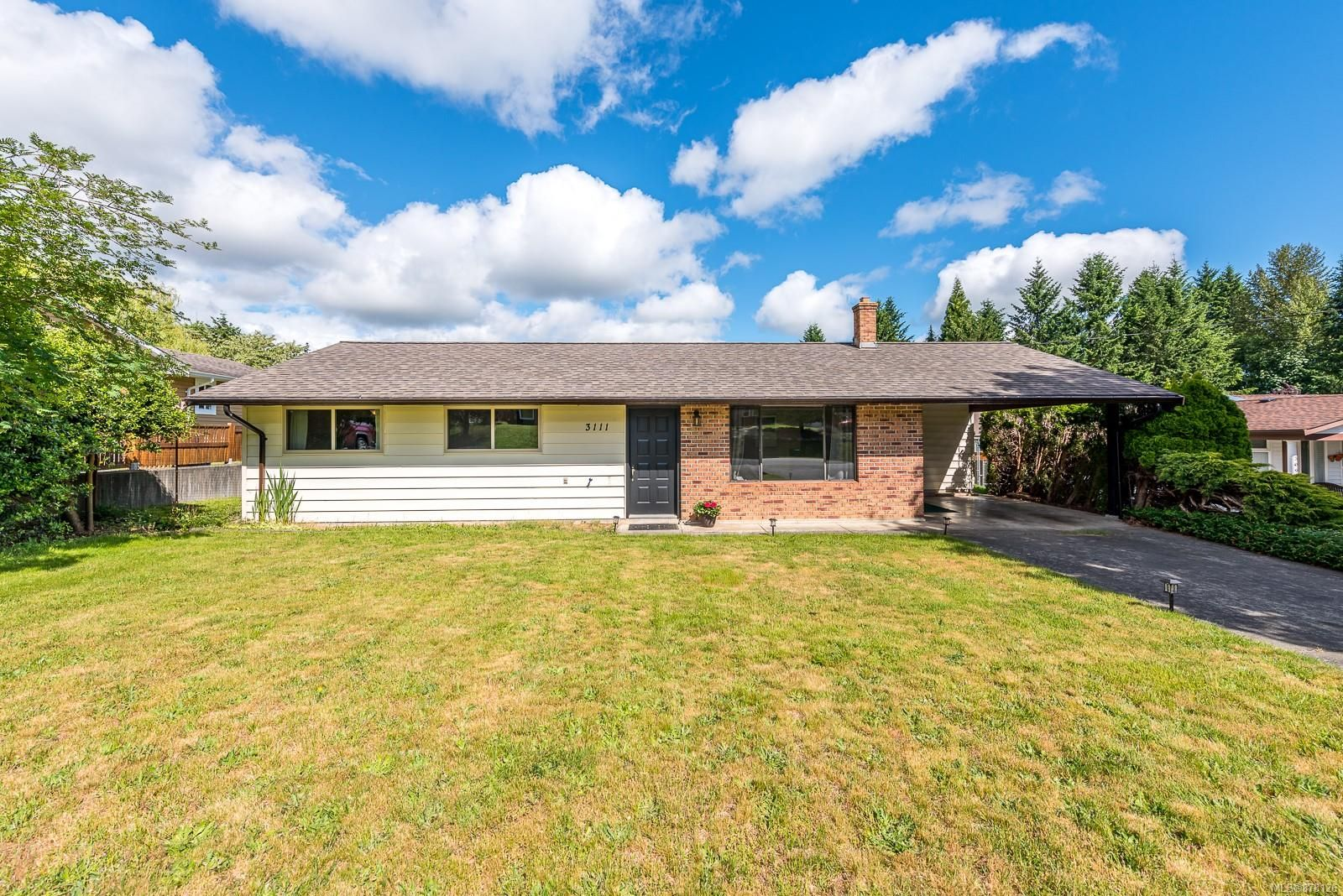 Main Photo: 3111 Bood Rd in : CV Courtenay West House for sale (Comox Valley)  : MLS®# 878126
