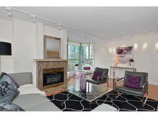 "Photo 2: 302 789 JERVIS Street in Vancouver: West End VW Condo for sale in ""Jervis Court"" (Vancouver West)  : MLS®# R2574360"
