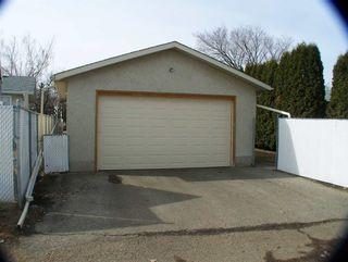 Photo 4: 11944 139 Avenue in Edmonton: Zone 27 House for sale : MLS®# E4236148