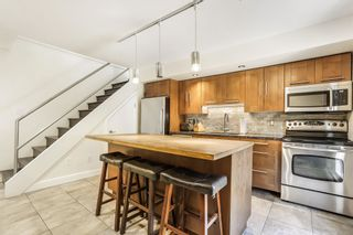 """Photo 7: 10 870 W 7TH Avenue in Vancouver: Fairview VW Townhouse for sale in """"Laurel Court"""" (Vancouver West)  : MLS®# R2594684"""