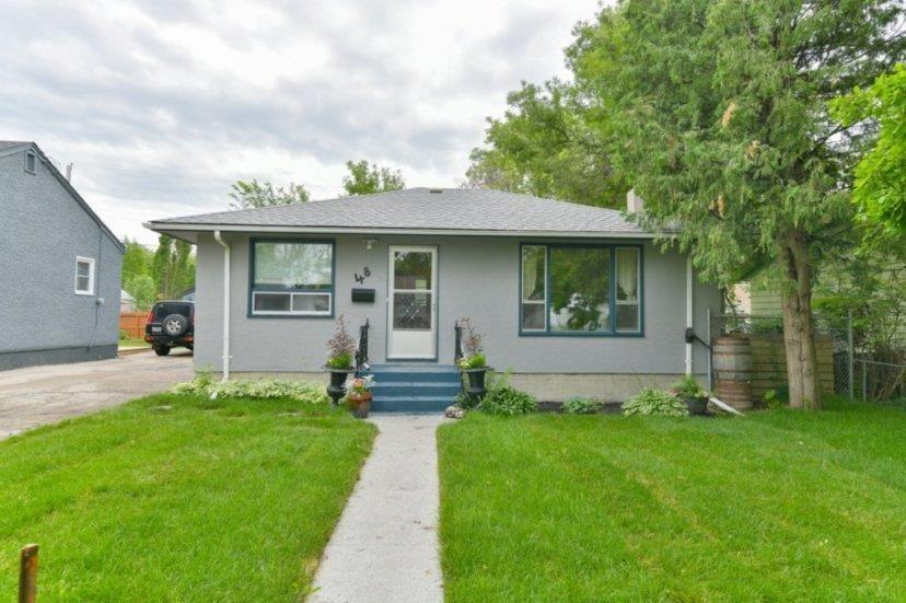 Main Photo: 48 Kingswood Avenue in Winnipeg: St Vital Residential for sale (2D)  : MLS®# 202016500