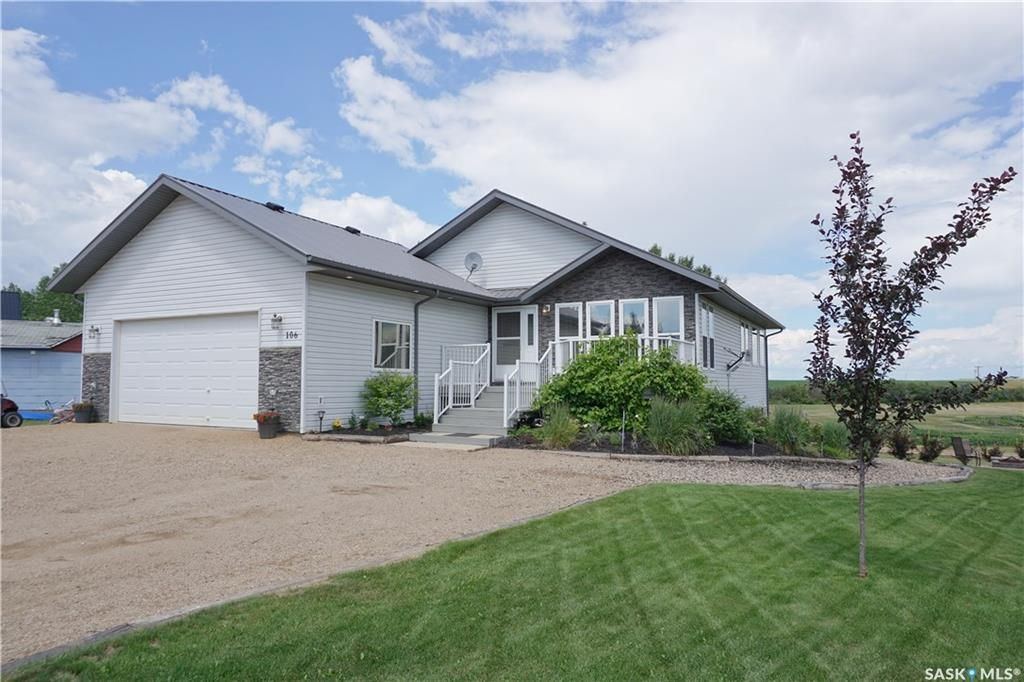 Main Photo: 106 Alyce Street in Hitchcock Bay: Residential for sale : MLS®# SK844446