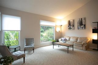 Photo 5: 150 Southwalk Bay in Winnipeg: River Park South Residential for sale (2F)  : MLS®# 202120702