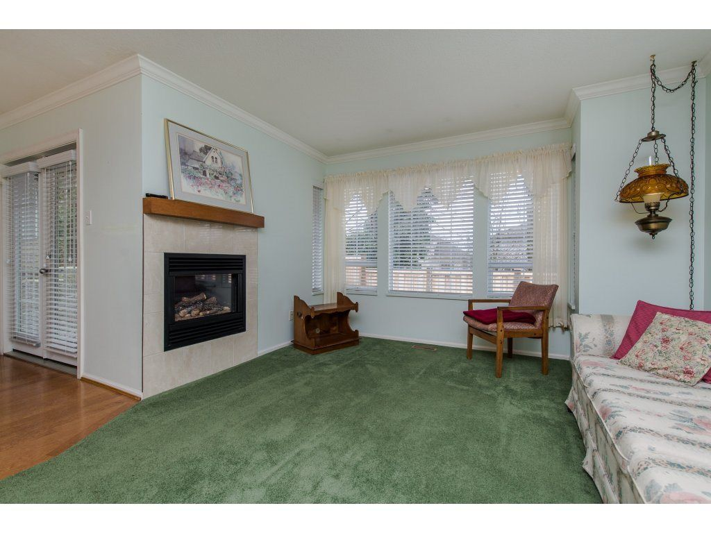 "Photo 11: Photos: 8 21848 50 Avenue in Langley: Murrayville Townhouse for sale in ""CEDAR CREST ESTATES"" : MLS®# R2132089"