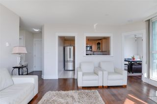 Photo 5: 904 140 E 14TH STREET in North Vancouver: Central Lonsdale Condo for sale : MLS®# R2270647