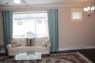 """Photo 5: 16 6929 142 Street in Surrey: East Newton Townhouse for sale in """"Redwood"""" : MLS®# R2139277"""