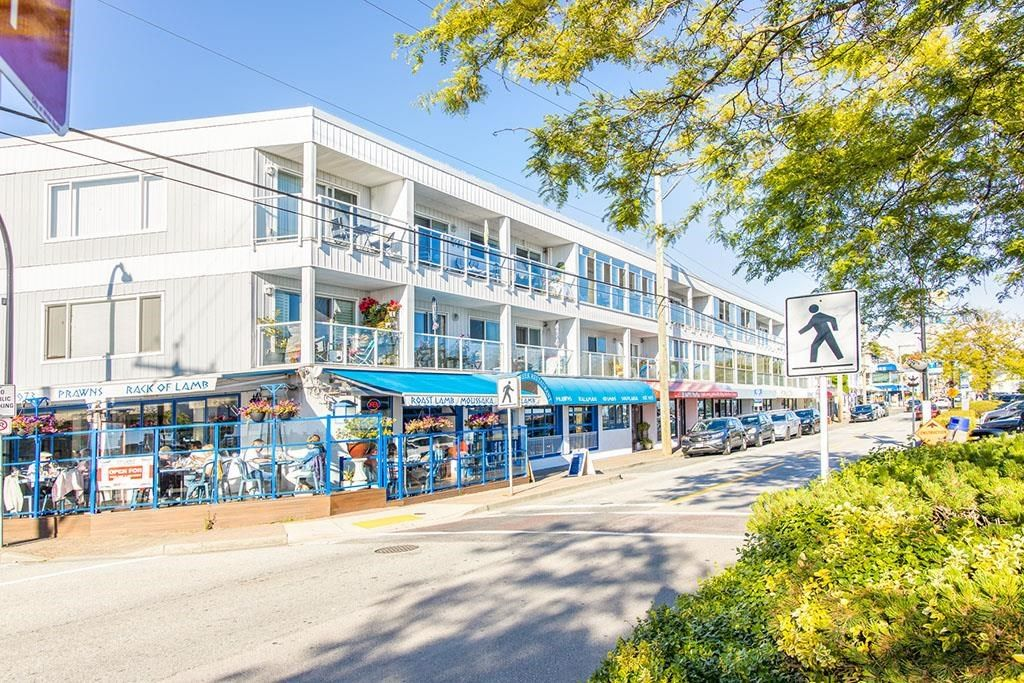 """Photo 18: Photos: 111 14881 MARINE Drive: White Rock Condo for sale in """"DRIFTWOOD ARMS"""" (South Surrey White Rock)  : MLS®# R2595780"""