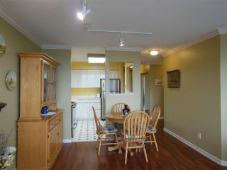 """Photo 3: 1402 1327 E KEITH Road in North Vancouver: Lynnmour Condo for sale in """"Carlton at the Club"""" : MLS®# R2309137"""