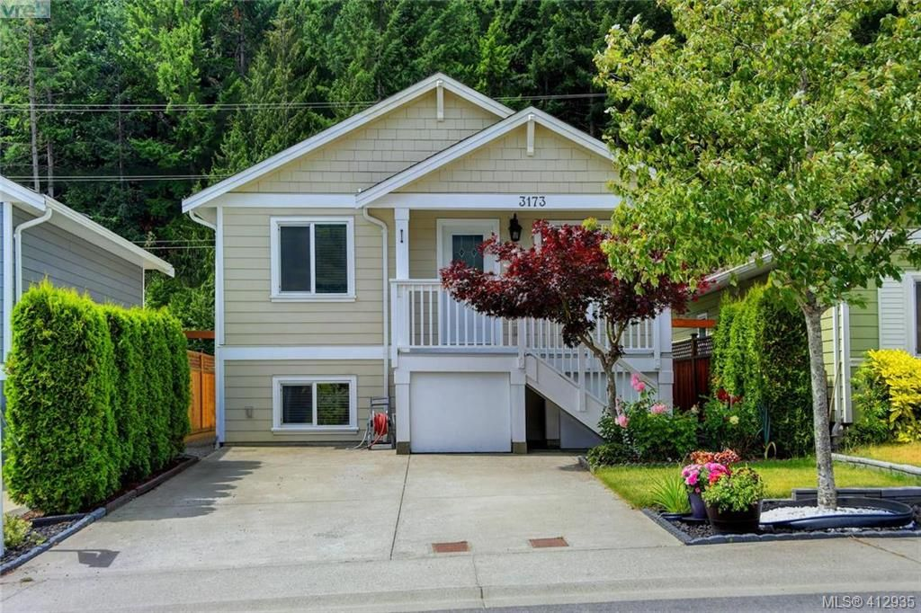 Main Photo: 3173 Kettle Creek Cres in VICTORIA: La Langford Lake House for sale (Langford)  : MLS®# 818796