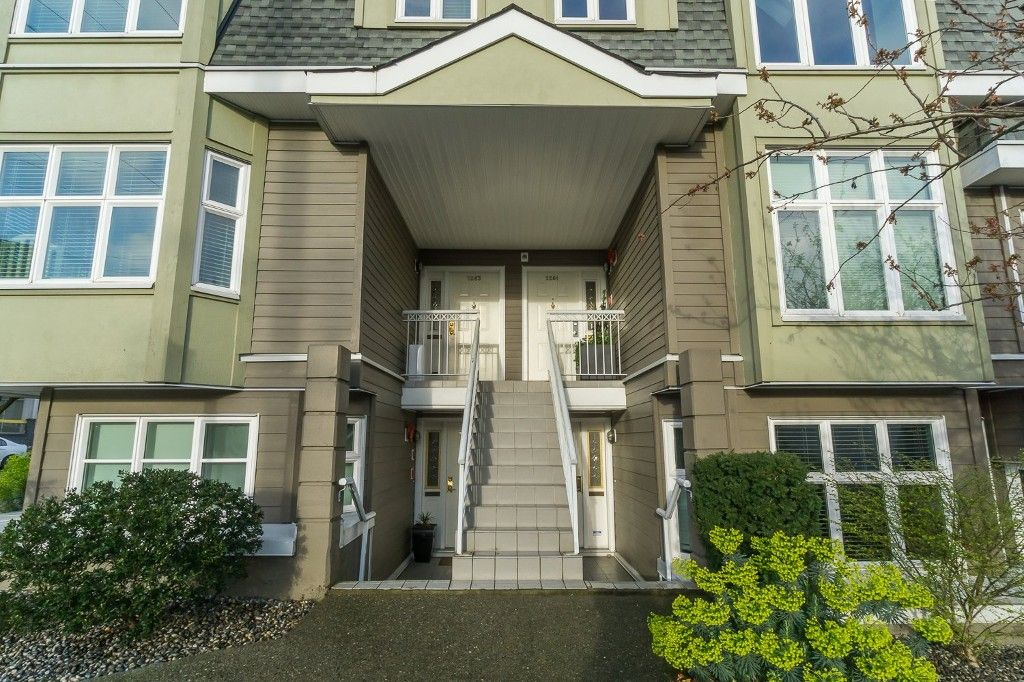 Main Photo: 2263 Heather Street in Vancouver: Townhouse for sale : MLS®# V897384