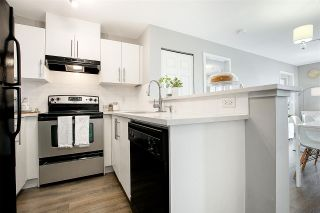 """Photo 2: 3311 240 SHERBROOKE Street in New Westminster: Sapperton Condo for sale in """"Copperstone"""" : MLS®# R2381606"""
