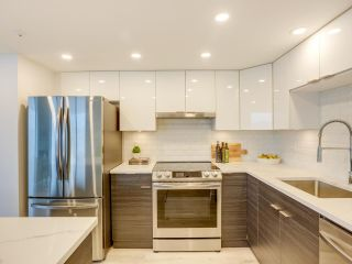 """Photo 8: 1802 739 PRINCESS Street in New Westminster: Uptown NW Condo for sale in """"Berkeley Place"""" : MLS®# R2591827"""