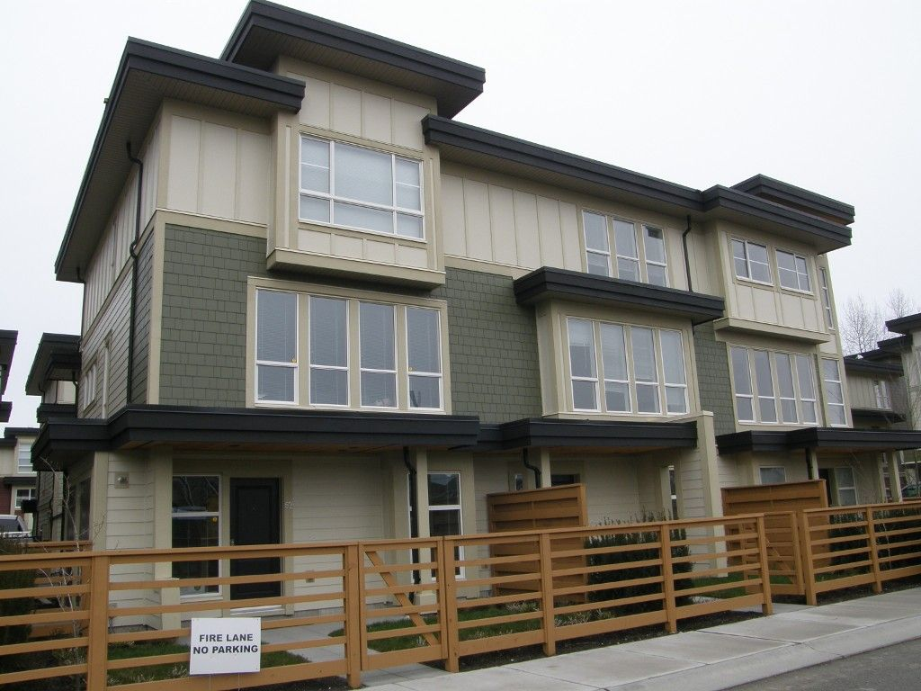 Main Photo: #83-19477-72A in Surrey: Clayton Townhouse  (Cloverdale)  : MLS®# F1317851