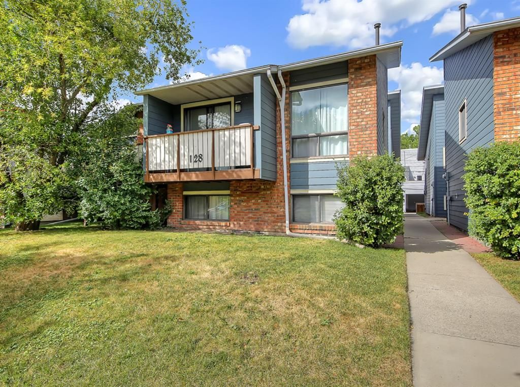 Main Photo: 3 128 10 Avenue NE in Calgary: Crescent Heights Row/Townhouse for sale : MLS®# A1113674