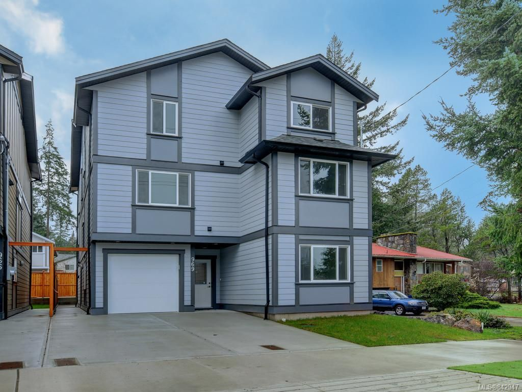 Main Photo: 969 Walfred Rd in Langford: La Happy Valley House for sale : MLS®# 842947