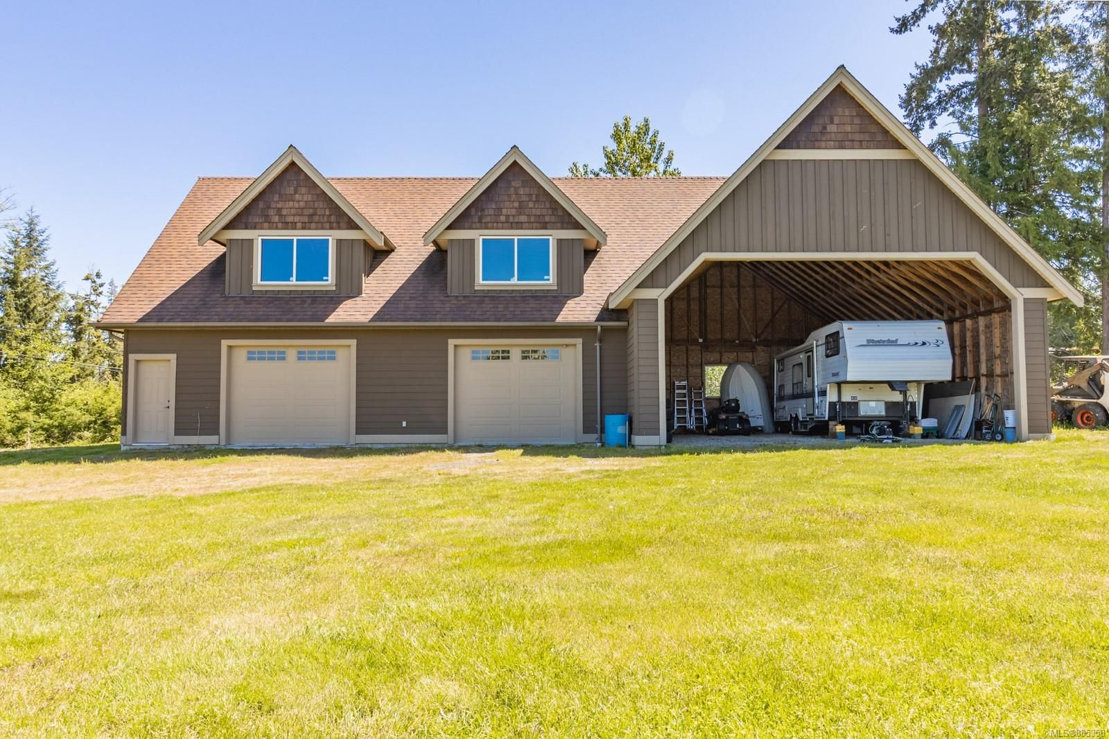 Photo 2: Photos: 2850 Peters Rd in : PQ Qualicum Beach House for sale (Parksville/Qualicum)  : MLS®# 885358